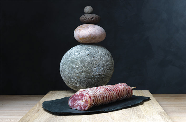 une idée de présentation du saucisson d'Auvergne